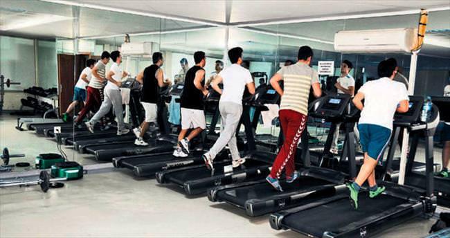 Pursaklar'da spor salonları dolup taşıyor