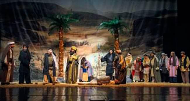 Asr-ı Saadet oyunu ayakta alkışlandı
