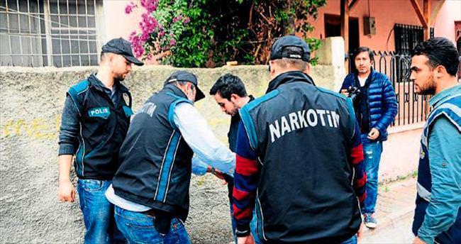 Adana'daki okul önlerinde zehir avı