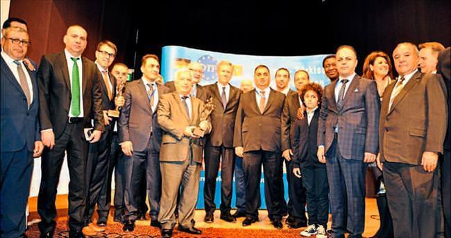 Tarsus Belediyesi'ne 1 haftada 3 büyük ödül