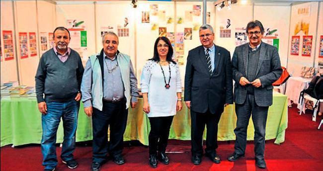 Yazarlar Mersin'de okurlarla buluştu