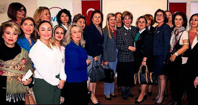 Saygın kadınlara seslendi