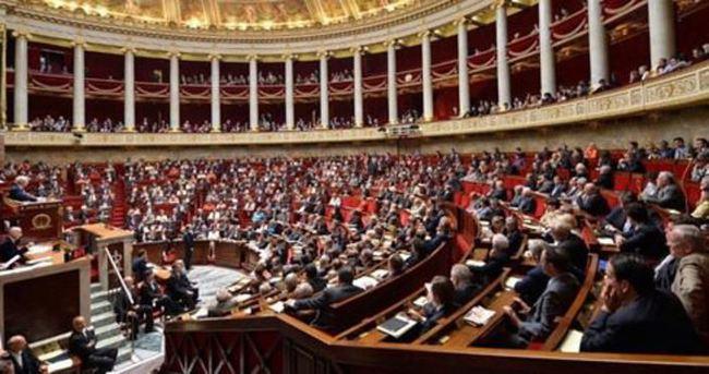Fransa Meclisi 'Sözde Ermeni soykırımı' inkarına cezayı onaylamadı