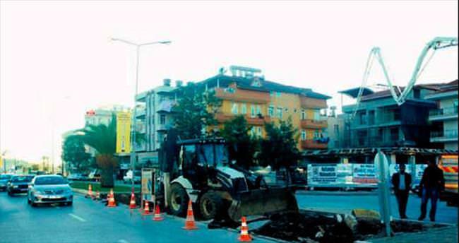 Vatandaş talep etti belediye yol kapattı