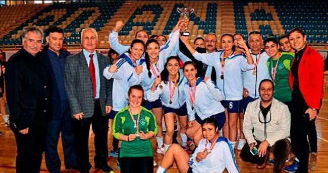 Adana Kız Lisesi şampiyon oldu