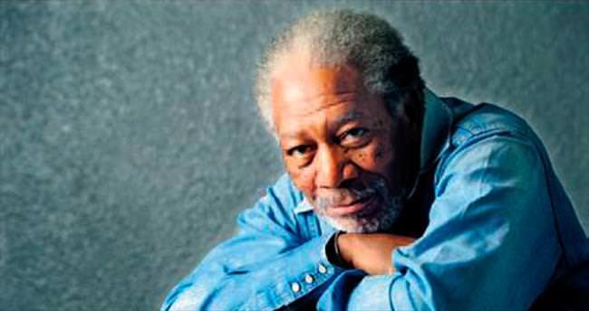 Morgan Freeman ölümden döndü