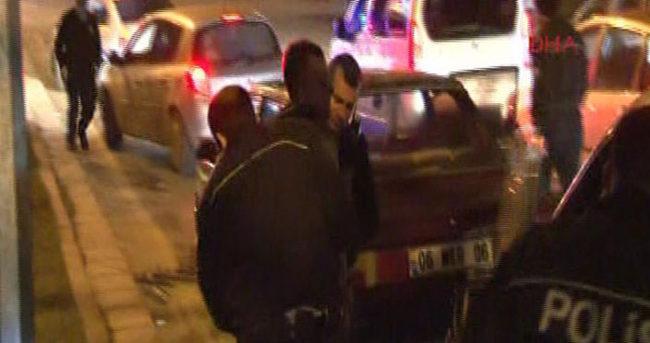 Polis, kaçan aracı kapanla durdurdu