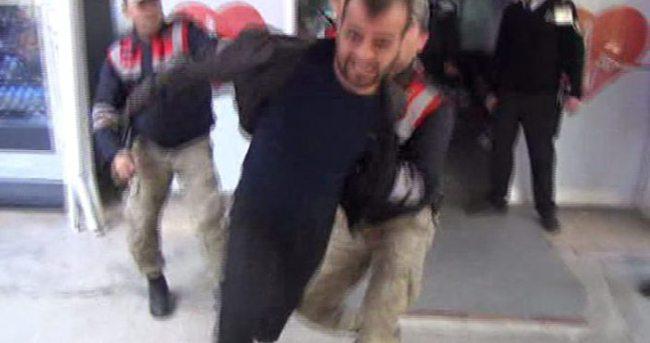 Suç makinesi gazeteciye saldırdı
