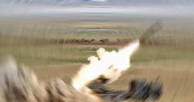 Azerbaycan ordusu Ermeni mevzilerini vurdu
