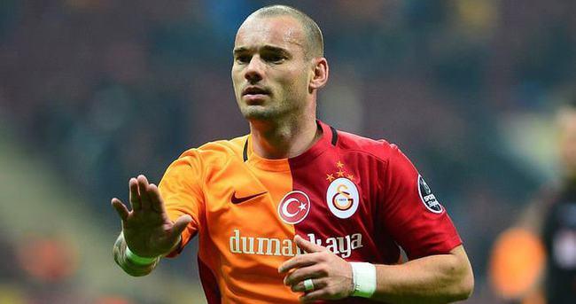 Sneijder'den Mustafa Denizli açıklaması