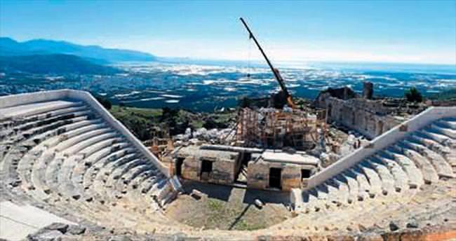 Opramoas Anıtı'nda restorasyon sürüyor