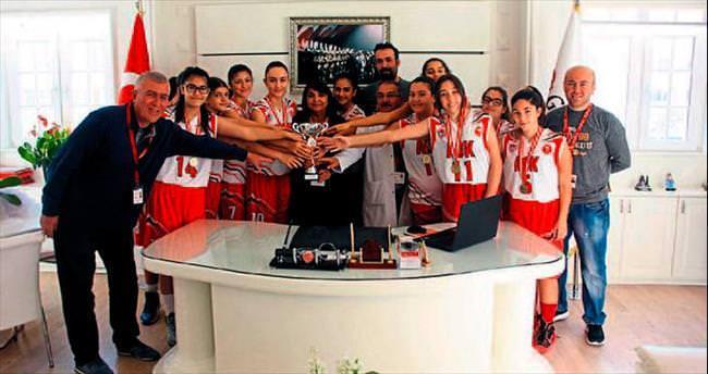 Adana şampiyonu Gündoğdu oldu
