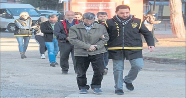 Adana'da aile boyu fuhuş çetesi çökertildi