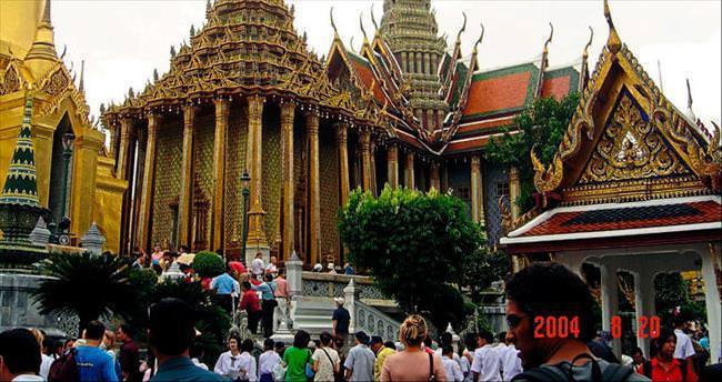 Renkler Bangkok'ta ahenkle dans ediyor