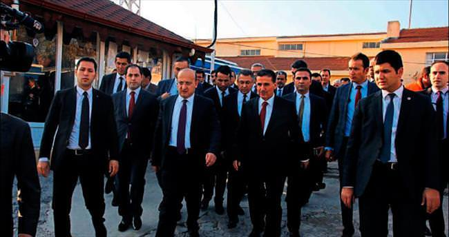 Akdoğan: Suriye'de küresel kavga var