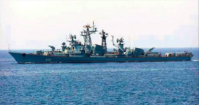 Rus zırhlısından balıkçı teknesine uyarı ateşi