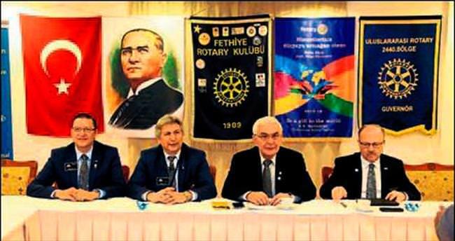 Rotaryenler bölge toplantısına katıldı