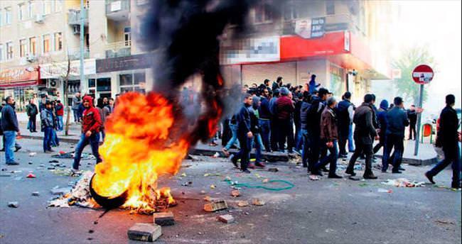 Diyarbakır'da olaylı gün: 2 ölü