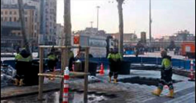 Taksim'e ilk ağaç dikildi