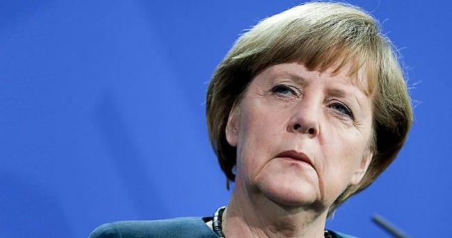 Merkel: Almanya'da sığınmacı sayısını azaltacağız