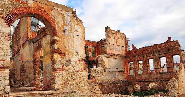 Tarihi 'İskoliye Mektebi' restore ediliyor