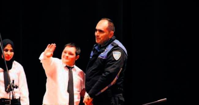 Engelli çocuklara polis desteği