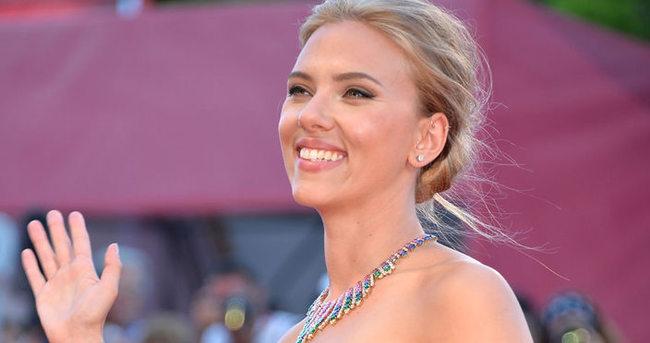 Scarlett Johansson kadroya girdi