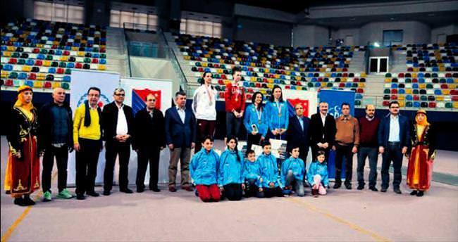 18 ülkeden 73 sporcu Kocaeli'nde buluştu