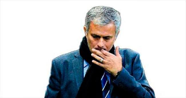 Mourinho kovuldu