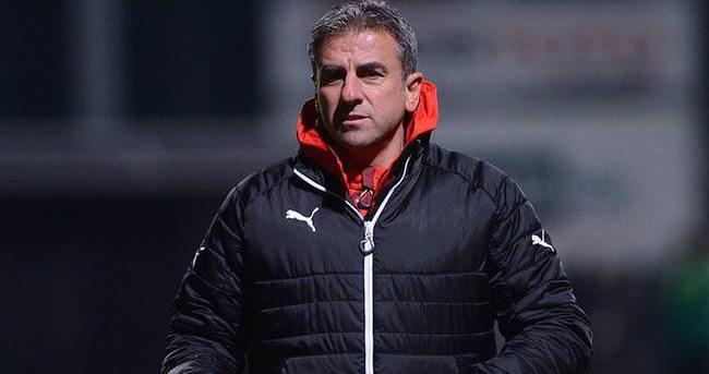 Hamzaoğlu Bursaspor'un 49. teknik direktörü oldu