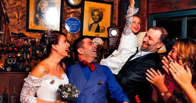 İki ünlü oyuncu nikah masasına oturdu