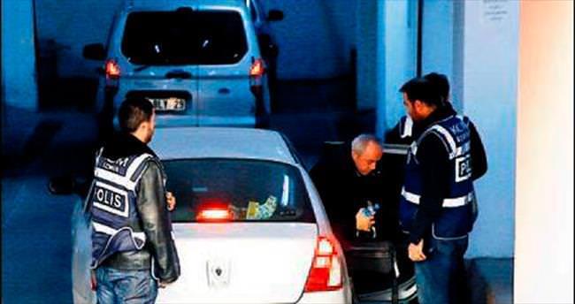 İzmir'de 5 Paralel şüpheli serbest...