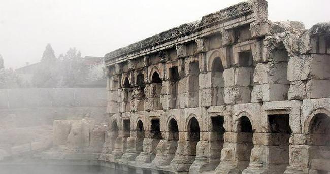 Tarihi Roma hamamına tanıtım filmi çekildi