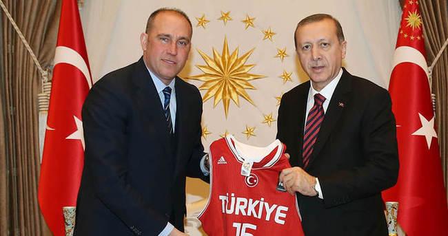 Cumhurbaşkanı Erdoğan, TBF Başkanı Erdenay'ı kabul etti