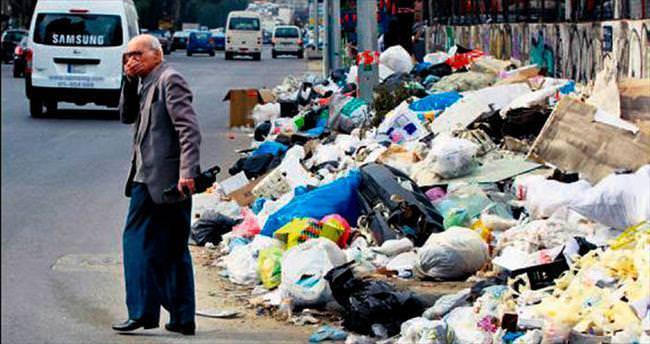 Lübnan'da kriz çözüldü: Çöpler yurtdışına gidiyor