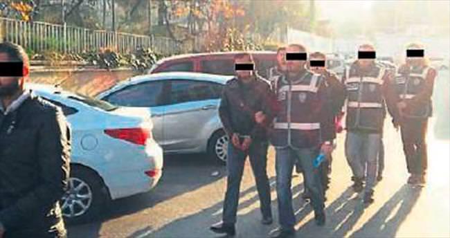 5 kişiyi dolandıran zanlılar tutuklandı