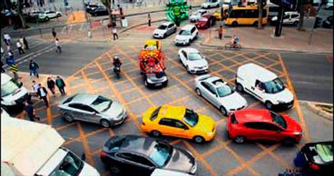 Kavşağı kilitleyene trafik cezası kesilecek