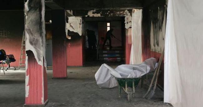 Diyarbakır'da teröristler okulu harabeye çevirdi