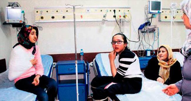 Beypazarı'nda öğrenci servisi devrildi: 13 yaralı