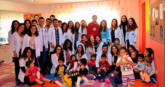 Oyuncak Ayı Hastanesi Projesi DEÜ'de