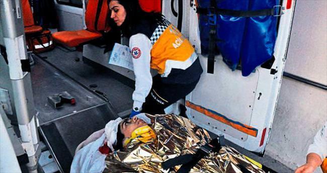Üstüne demir düşen çocuk ağır yaralandı