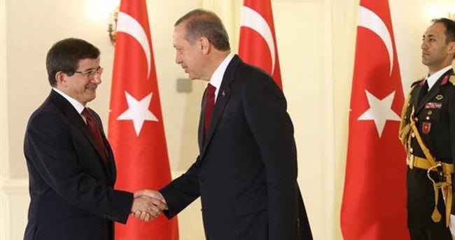 Erdoğan Mabeyn Köşkü'nde Davutoğlu'nu kabul etti