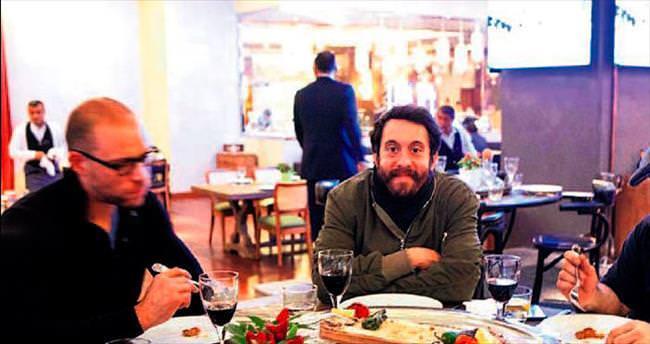 Kite'ın Adana kebap keyfi