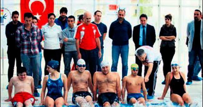Turgut Özakman özel sporculara kucak açtı