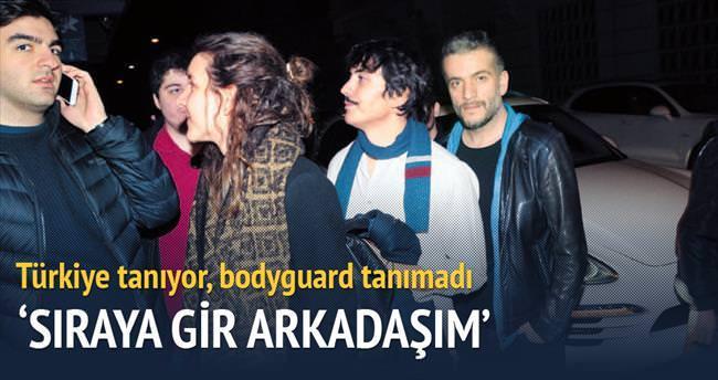 Murat Cemcir'i tanımayıp sıraya soktu