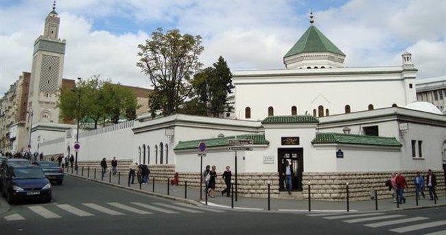 Müslümanlar Fransızlara kapılarını açtı