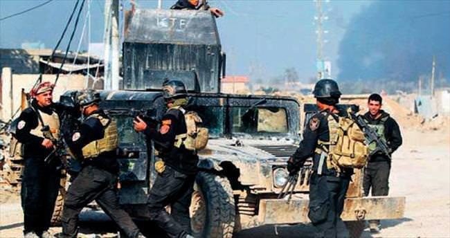 DAEŞ, Musul'da sivilleri vuruyor