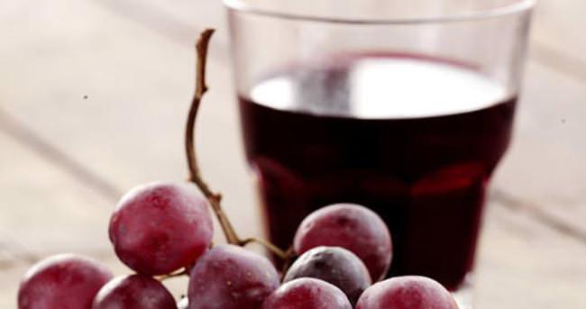 Hastalıklardan korunmak için üzüm suyu önerisi