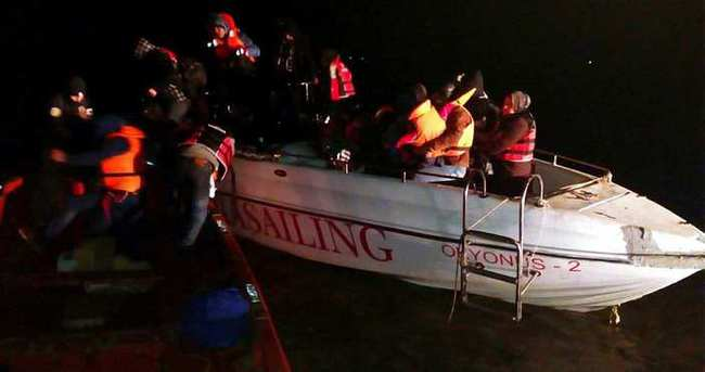 Kaçakların bindiği sürat teknesi çocuğa emanet!