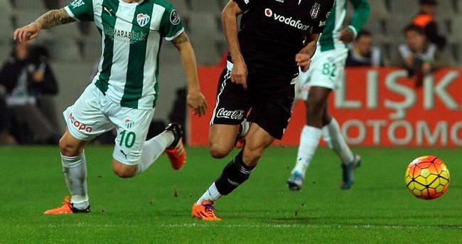Bursaspor Josue ve Advincula'yı gözden çıkarttı